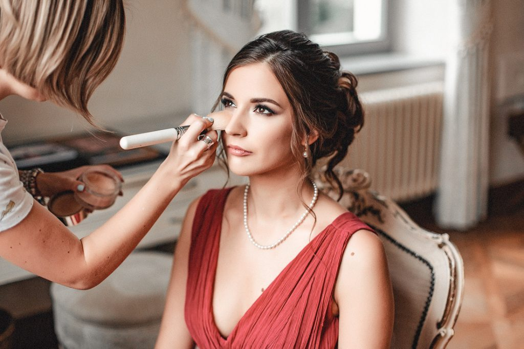Wedding Hairstyles and Make Up